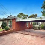 'Neighbours' house sells for $1.6m (AUD)